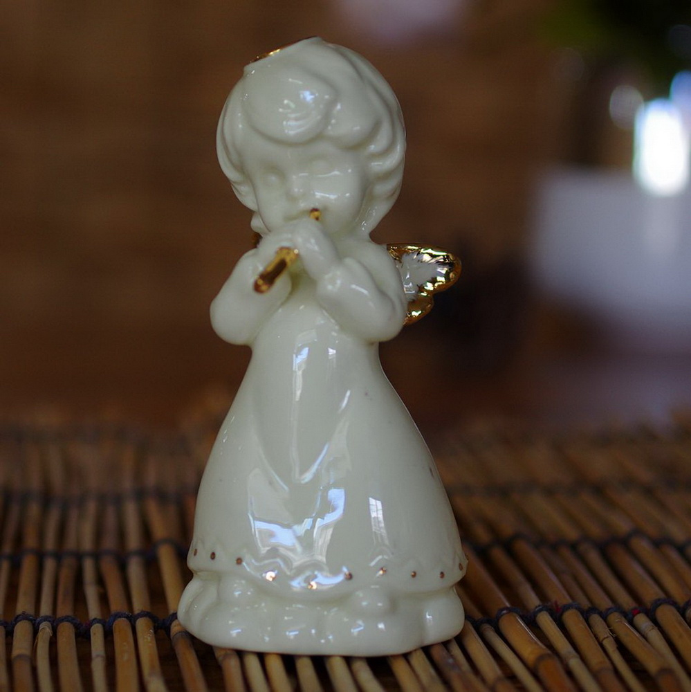 Indoor White Ceramic Angel Statue with Heart Porcelain Angel