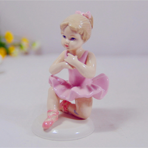 Hand Painted Antique Chinese Ceramic Fat Girl Art Figurines Custom Sculpture