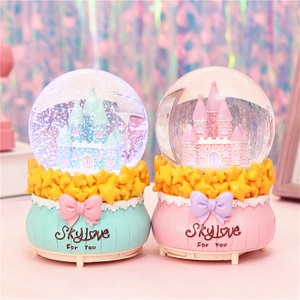 Polyresin Ferrero Water Ball Promotion Snow Globe for Holiday Gift