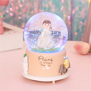 Hand Made Polyresin Snow Globe Personalized Wholesale Snow Globe