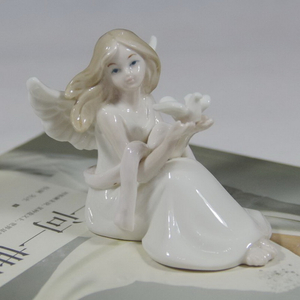 New Porcelain Decoration Prayer Angel