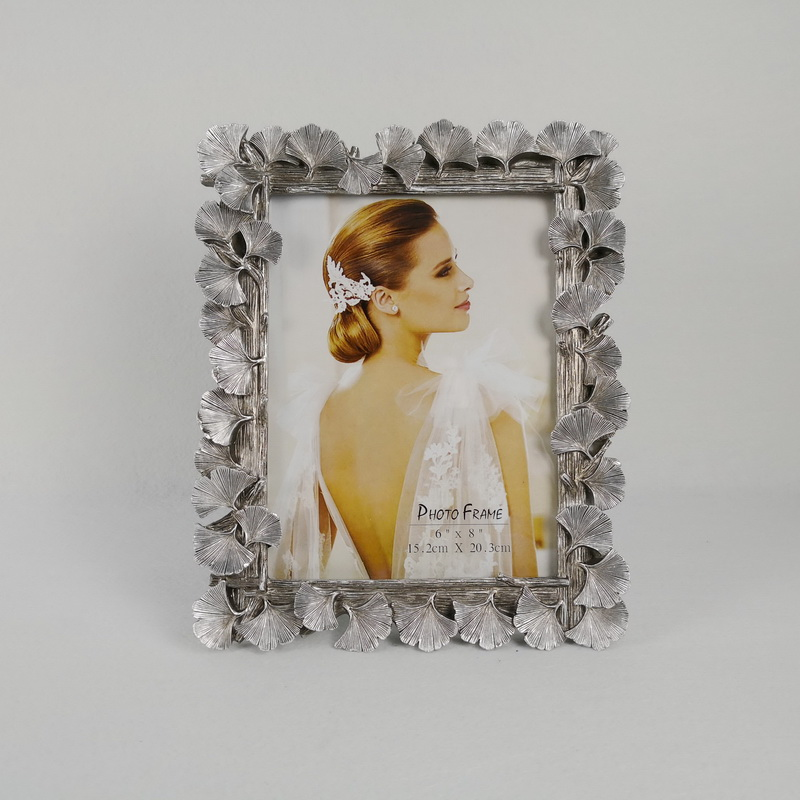 Beautiful Polyresin Gold And Silver Leaf Shape Good Decorative Photo Frame