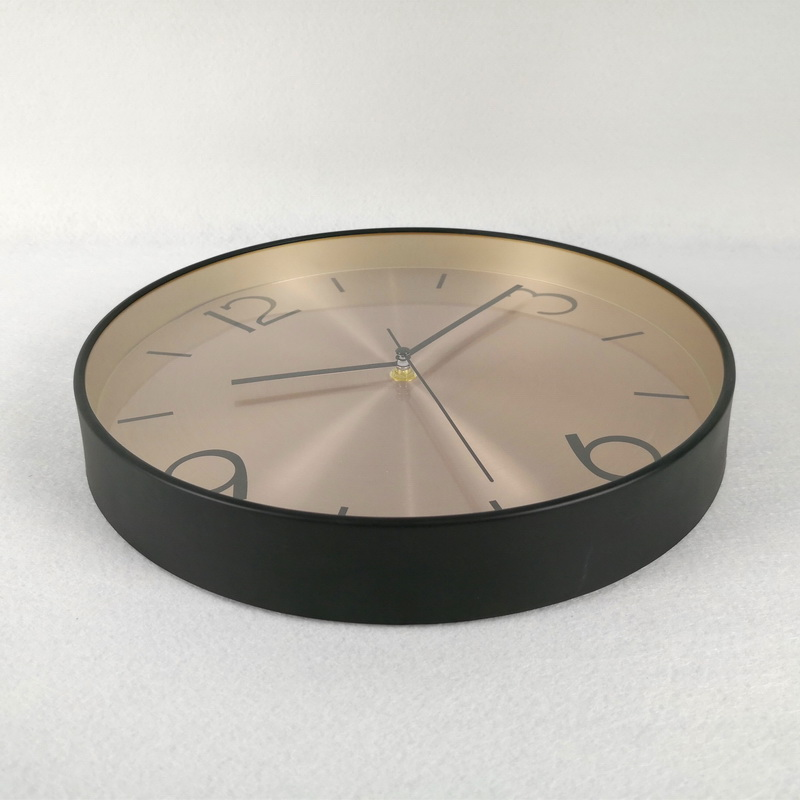 Wholesale OEM Decorative Outdoor Plastic Wall Clock