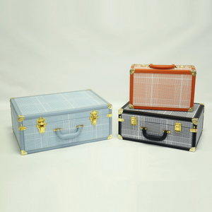 Custom High Quality Faux Leather Decorative Vintage Suitcase Wood Frame Travel Suitcase