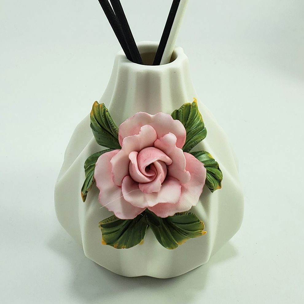 Plastic Luxtury Ceramic Aroma Flower Reed Diffuser Made in China