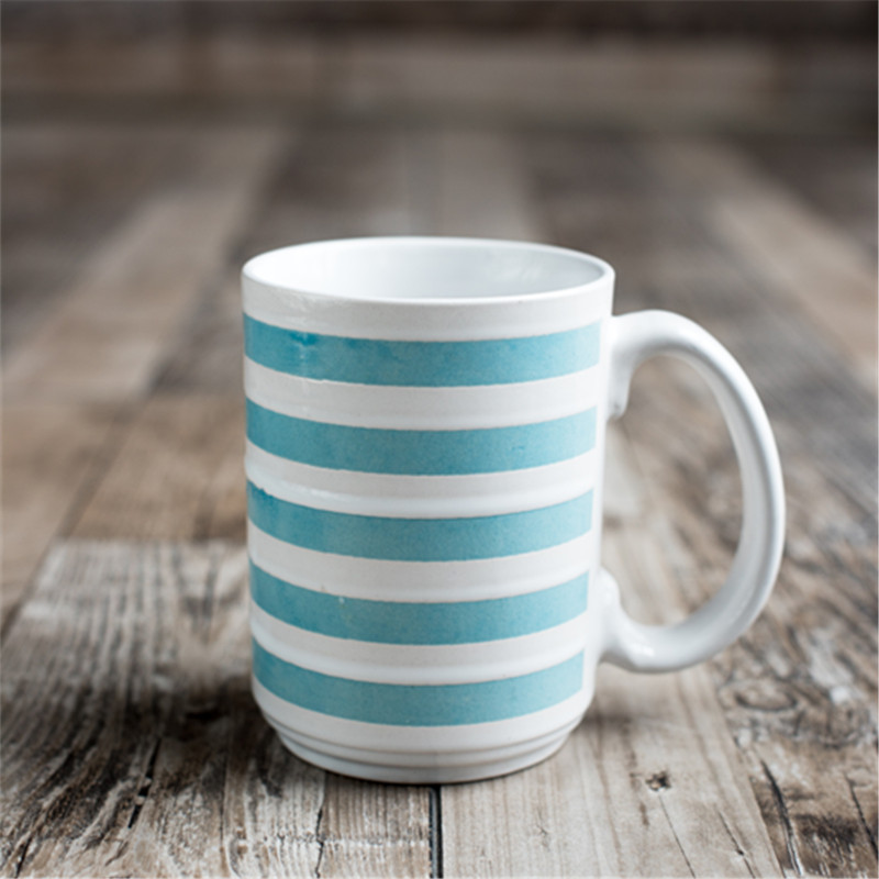Hot Style Ceramic Cup Promotion Small Gift Creative Ceramic Coffee Cup Practical Mug Mug Custom Logo