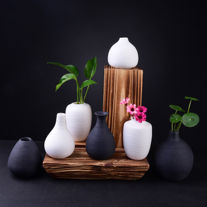 hot sell nice design ceramic flower vase for the home or garden decoration